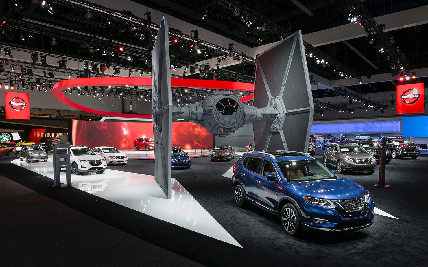 Image 8 for Nissan Rogue Launch at the Los Angeles Auto Show