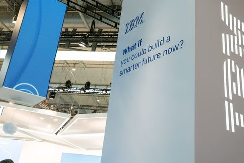 Image 1 for IBM asks MWC audience 'What if you could build a smarter future now?'